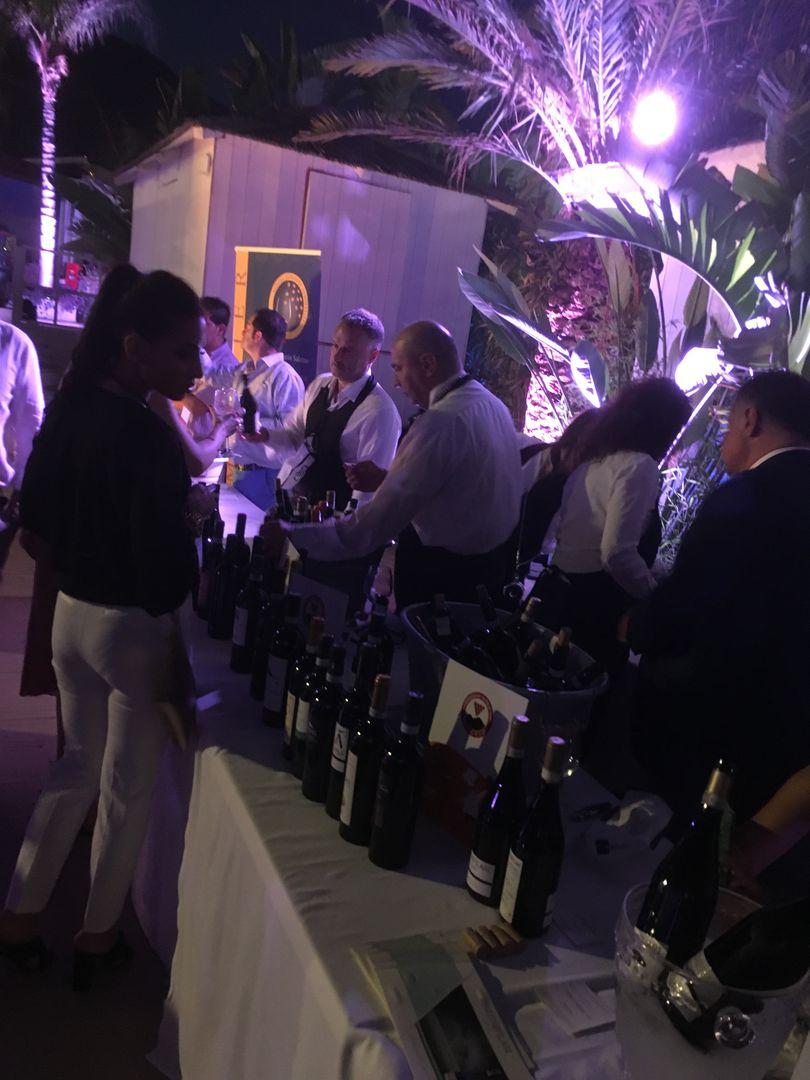 Buonissimi #nutriamolaricerca - Rocce Rosse Lloyd's Baia Hotel Salerno